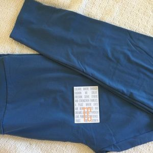NWT LuLaRoe Solid Blue TC Leggings